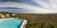 web-grootbos-accommodation-forest-lodge-pool-10